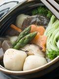 grönsaker för stew för spenat för bollfiskkruka Royaltyfri Fotografi