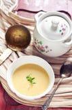 Grönsaker lagar mat med grädde soup Arkivfoto
