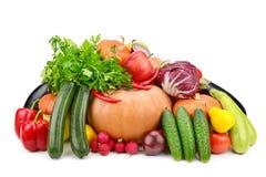Grönsaker och frukter för stor samling som användbara isoleras på vita lodisar Fotografering för Bildbyråer