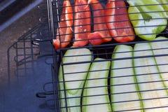 Grönsaker på gallergrillfesten Royaltyfria Bilder
