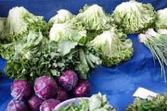 Grönsaker på offentlig basar royaltyfri fotografi