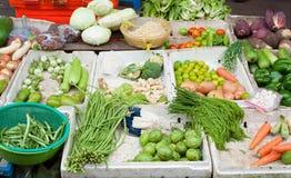 Grönsaker som är till salu i den Vietnam gatan Fotografering för Bildbyråer