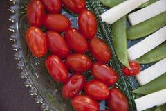 Grönsaker som tjänas som som horderves för matställe Royaltyfri Foto