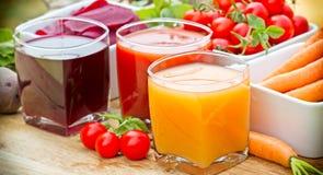Grönsakfruktsafter - sunda drinkar Arkivbilder