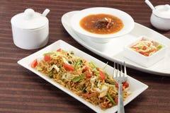 GrönsakManchurian med Fried Rice Arkivbild