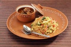 GrönsakManchurian med Fried Rice Arkivfoto