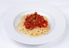 Grönsakpasta med köttbullar och tomatsås Royaltyfri Bild