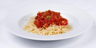 Grönsakpasta med köttbullar och tomatsås Royaltyfria Bilder