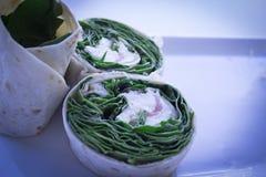 Grönsakrulle sund mat rå mat Vårrulle Fotografering för Bildbyråer