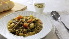 Grönsaksoppa med pesto genova Royaltyfria Foton