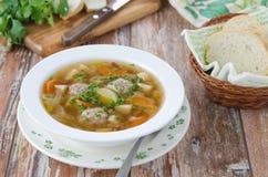 Grönsaksoup med meatballs Royaltyfri Bild