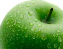 grönt äpple - vät Arkivbilder