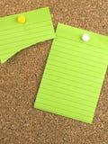 grönt anmärkningspapper Arkivbilder