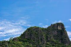 Grönt berg Fotografering för Bildbyråer