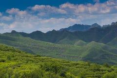 Grönt bergbeijing porslin Arkivfoto