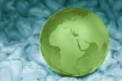 Grönt crystal jordklot Arkivbild