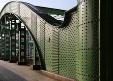grönt järn för bro Arkivfoton