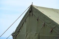Grönt militärt tältdetaljskott Fotografering för Bildbyråer