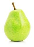 Grönt päron som isoleras på den vita bakgrunden Arkivbild