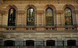 Grönt ramfönster av domkyrkan royaltyfri fotografi