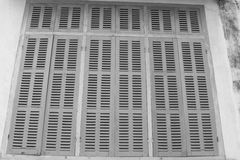 Grönt retro fönster Gammal arkitektonisk beståndsdel Royaltyfria Bilder