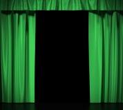 Grönt silke hänger upp gardiner med strumpebandet som isoleras på vit bakgrund hög upplösning för illustration 3d Royaltyfri Foto