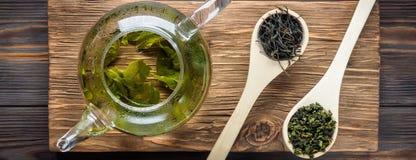Grönt te för traditionell kines av olik jäsning och ris royaltyfri foto