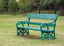 grönt trä för stol Arkivfoton