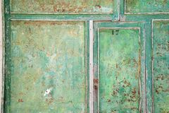 Grönt trädörrslut upp gammal stil weathered Royaltyfria Foton
