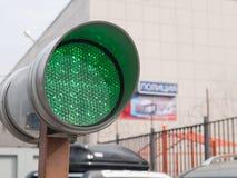 Grönt trafikljus Arkivbilder