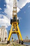 Grúa amarilla gigante Fotografía de archivo libre de regalías