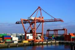 Grúa del cargamento del envase, Dublin Port Imágenes de archivo libres de regalías