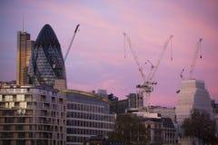 Grúa en el emplazamiento de la obra en Londres. Imagenes de archivo