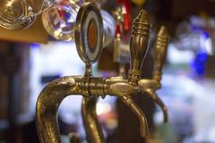 Grúas de la cerveza Fotografía de archivo libre de regalías