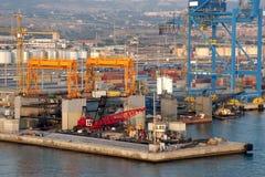 Grúas del puerto Fotos de archivo libres de regalías
