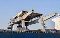 Grúas grandes del puerto del cargo del mar Foto de archivo
