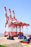 Grúas portuarias del cargo Imagenes de archivo