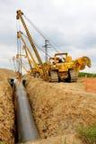 Grúas que ponen el gaseoducto Imagen de archivo libre de regalías