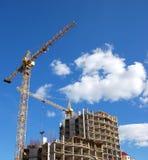 Grúas y construcción de edificios Imágenes de archivo libres de regalías