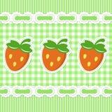 Grün überprüftes Muster mit Erdbeere Stockfoto
