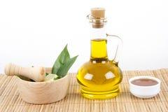 Grün-Blätter mit Honig und Olive Oil Lizenzfreie Stockbilder