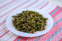 Grün gebratene Bohnen mit Knoblauch Stockfoto