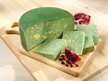Grün-gelber Sage Derby Cheese lizenzfreies stockbild