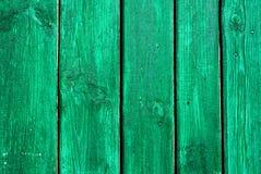 Grün gemalter struktureller hölzerner alter Hintergrund stockbild