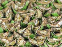 Grün geschnittene Walnüsse für Nochino-Likör lizenzfreies stockfoto