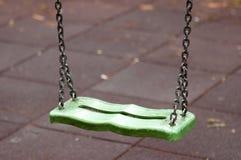 Grün machen Sie Schwingen nass Stockfotos