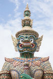 Grün-Riese im Tempel Emerald Buddhas lizenzfreies stockfoto