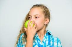 Gründe essen Apfel jeden Tag Ernährungsinhalt des Apfels Apple ein Tag hält Doktor weg Gute Nahrung ist zu wesentlich lizenzfreies stockbild