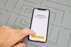 gründen Sie auf iPhone X 10 APP-Anwendersoftware icloud keychain Stockfoto