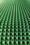 Grüne Abstraktionsperspektive auf einer Wand Stockfoto